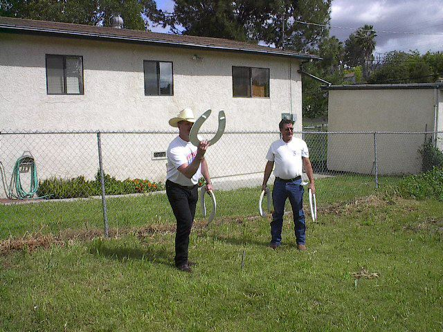 Redneck horseshoes